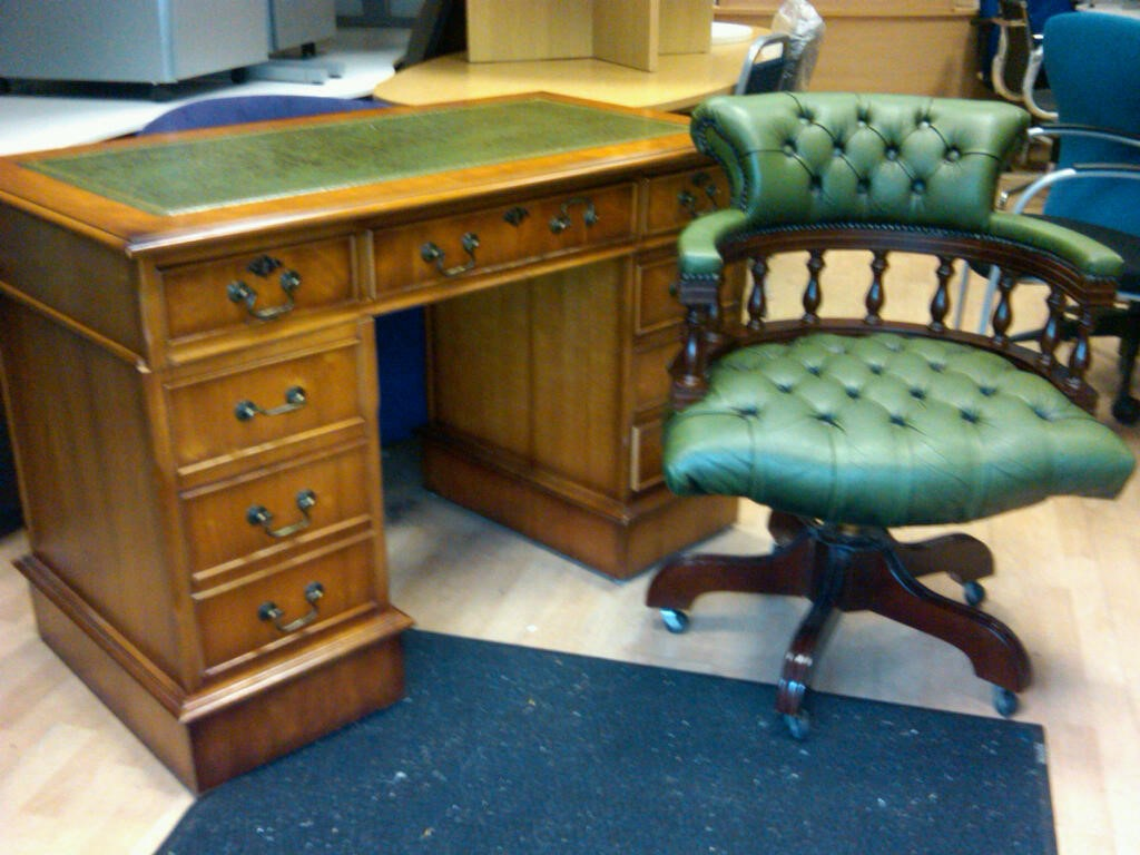 used office furniture docklands london 4ft x 2ft three piece